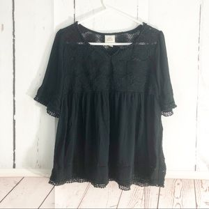 4/$25 • Knox Rose • Lace Trimmed Boho Peasant Top
